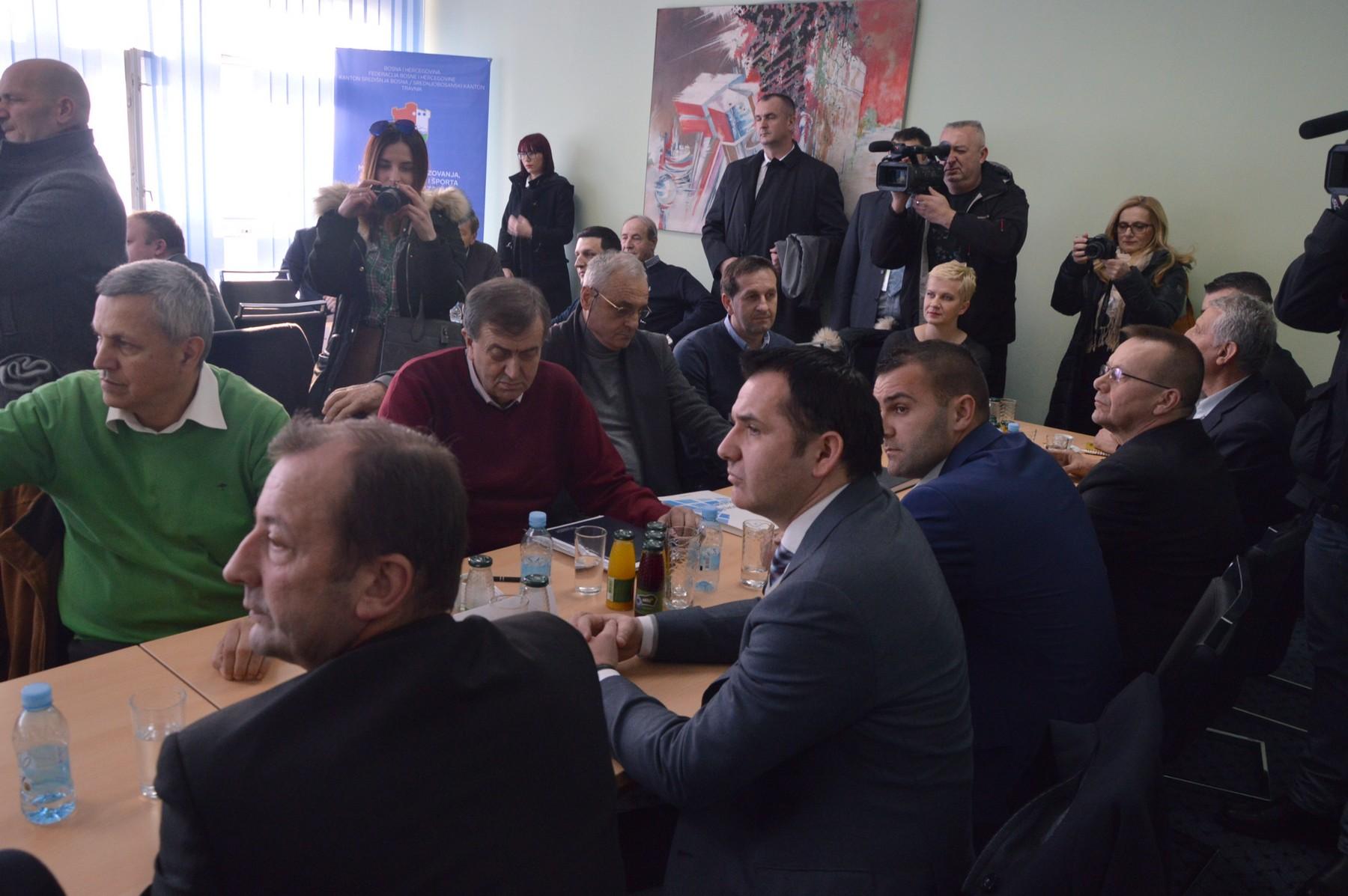 Izetbegović, Zvizdić i Novalić u SBK: Brza cesta prioritet!