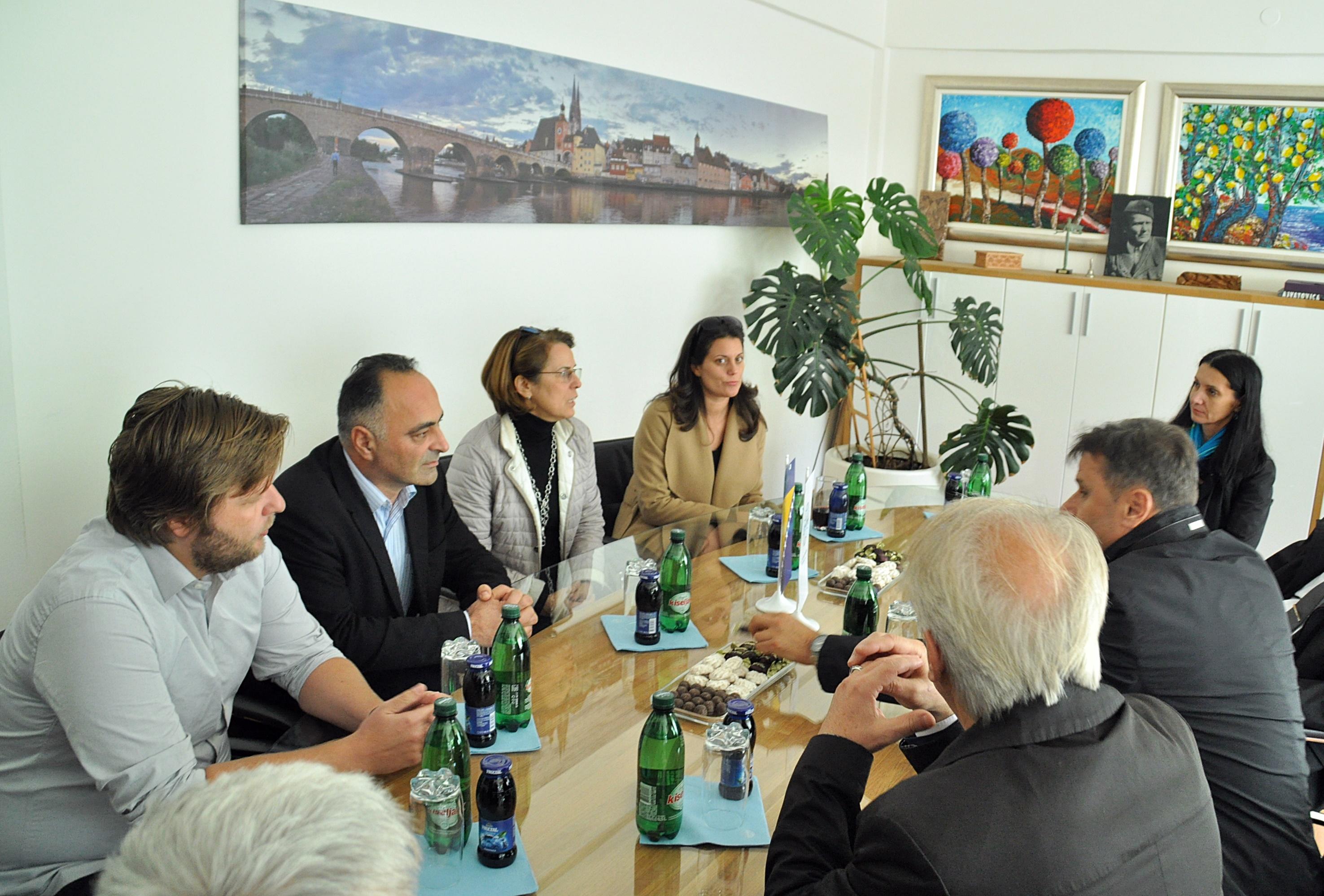 Premijer Novalić posjetio pogone u Novom Travniku i Travniku