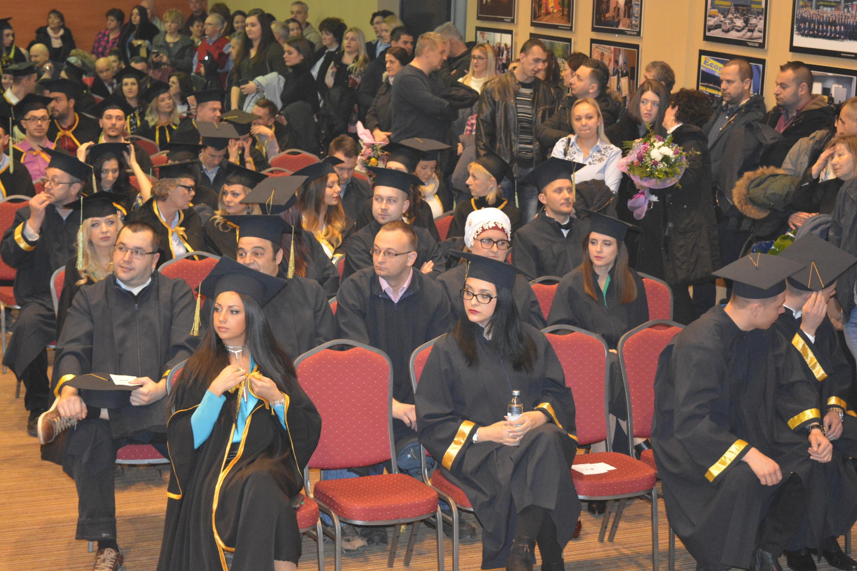 """Promovirano 166 bachelora i 39 magistara Sveučilišta/Univerziteta """"Vitez"""""""