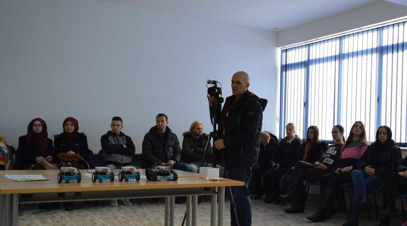 """FITovci organizirali  Tjedan robotike na Sveučilištu """"VITEZ"""" u Travniku"""