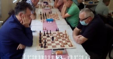 """Goran Trkulja  pobjednik šahovskog turnira  """"AJVATOVICA 2021"""""""